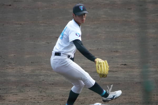 佐藤隼輔(筑波大)の投球